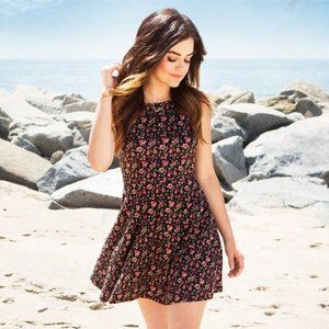 lk nw Hollister & Lucy Hale colorful floral dress